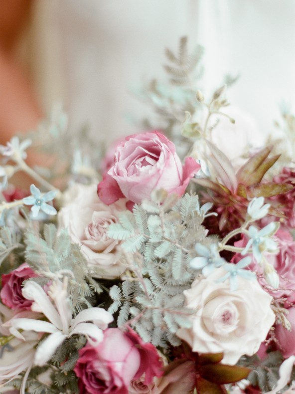 bouquet mariee fleuriste tendance alsace couleur pantone