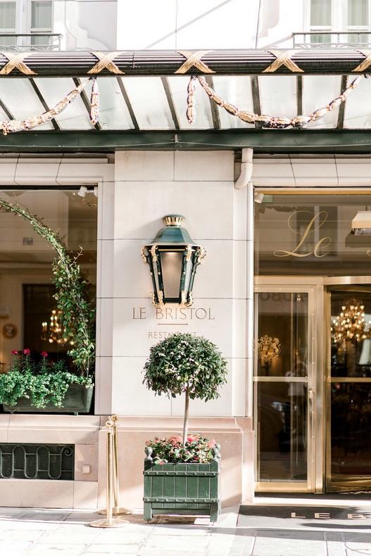 Elopement Le Bristol Paris fleuriste mariage capucine atelier floral