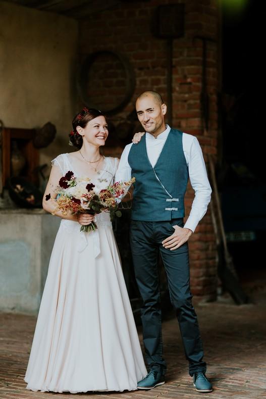 couple mariage bouquet sauvage automnal
