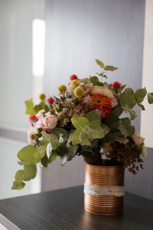 bouquet-mariee-champetre-multicolore-pastel-fleuriste-strasbourg-eucalyptus-capucine-atelier-floral