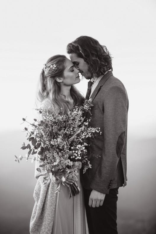 bouquet mariee chardon elopement mariage alsace montagne bleu gris