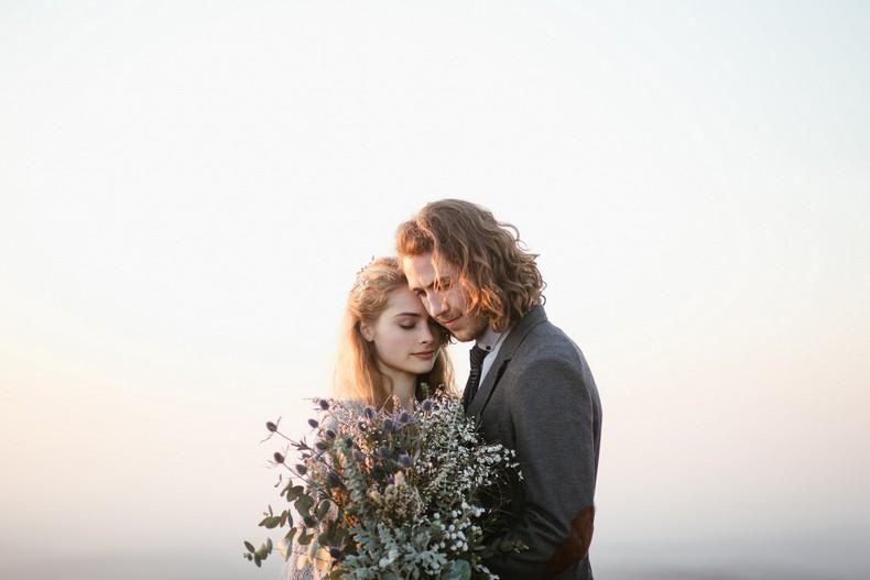 bouquet mariee chardon elopement mariage alsace montagne strasbourg bleu gris