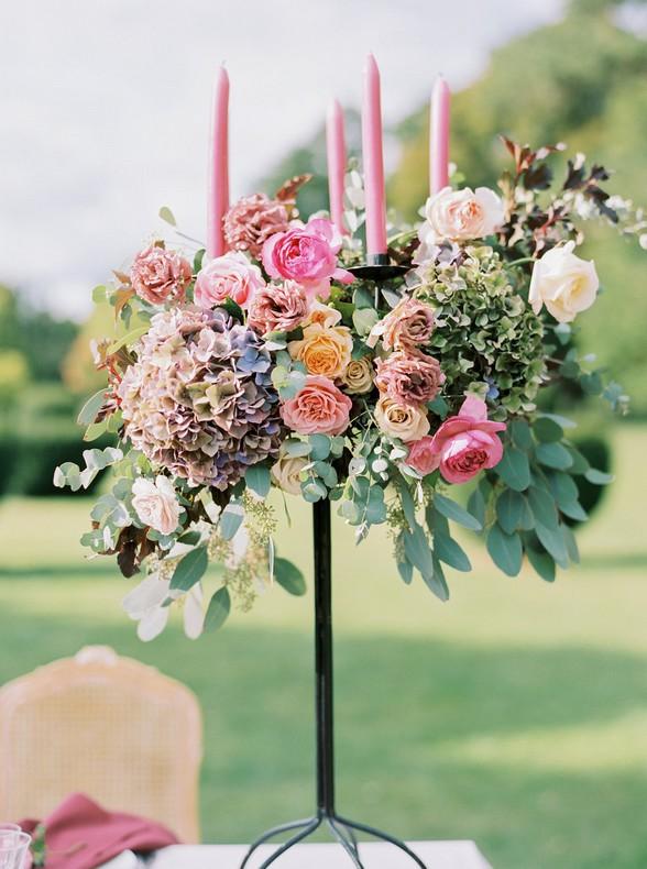 chandelier fleuri strasbourg mariage couleurs pastels stylisme