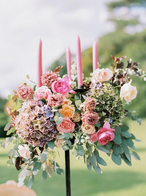 chandelier fleurs mariage strasbourg rose decoration