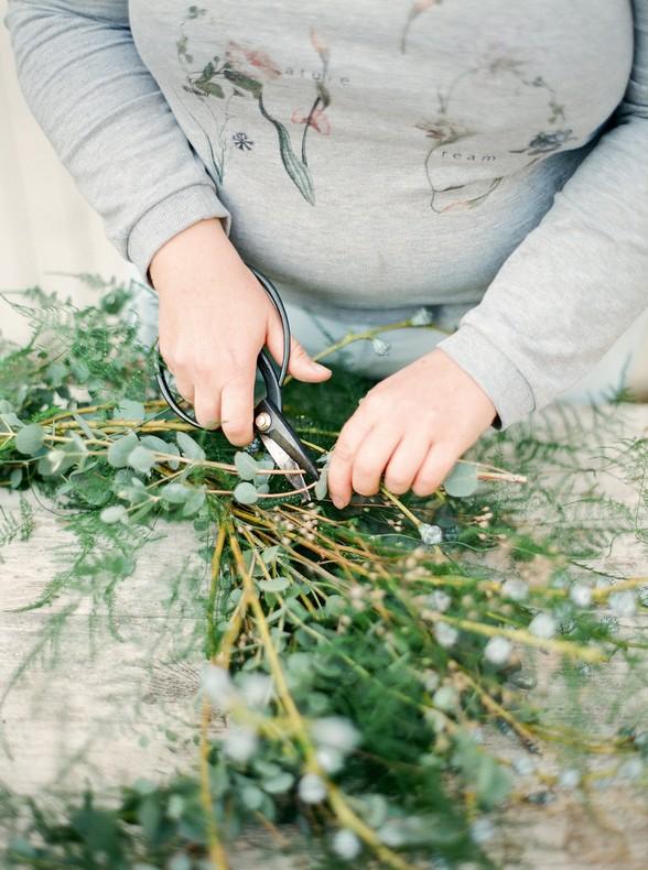 fleuriste capucine atelier floral mariage couronne eucalyptus