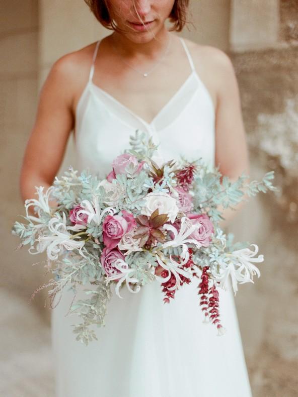 bouquet mariee fleuriste tendance alsace couleur pantone capucine atelier floral sauvage naturel