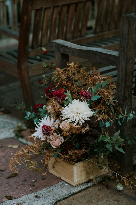 dahlia eucalyptus caisse fleurie cérémonie extérieur mariage strasbourg