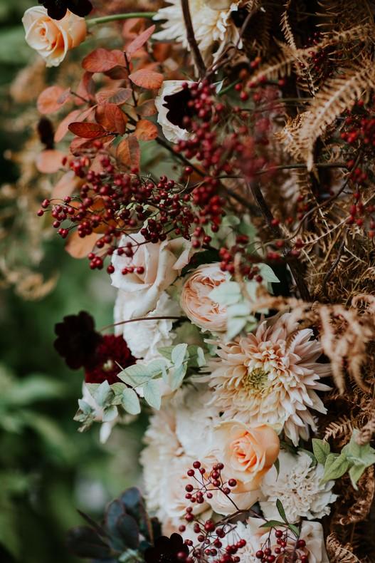 fleur mariage dahlia corail bordeaux eucalyptus strasbourg
