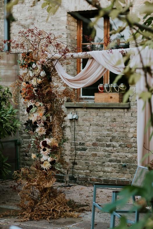 jolie arche bouleau mariage fleuriste floral designer alsace