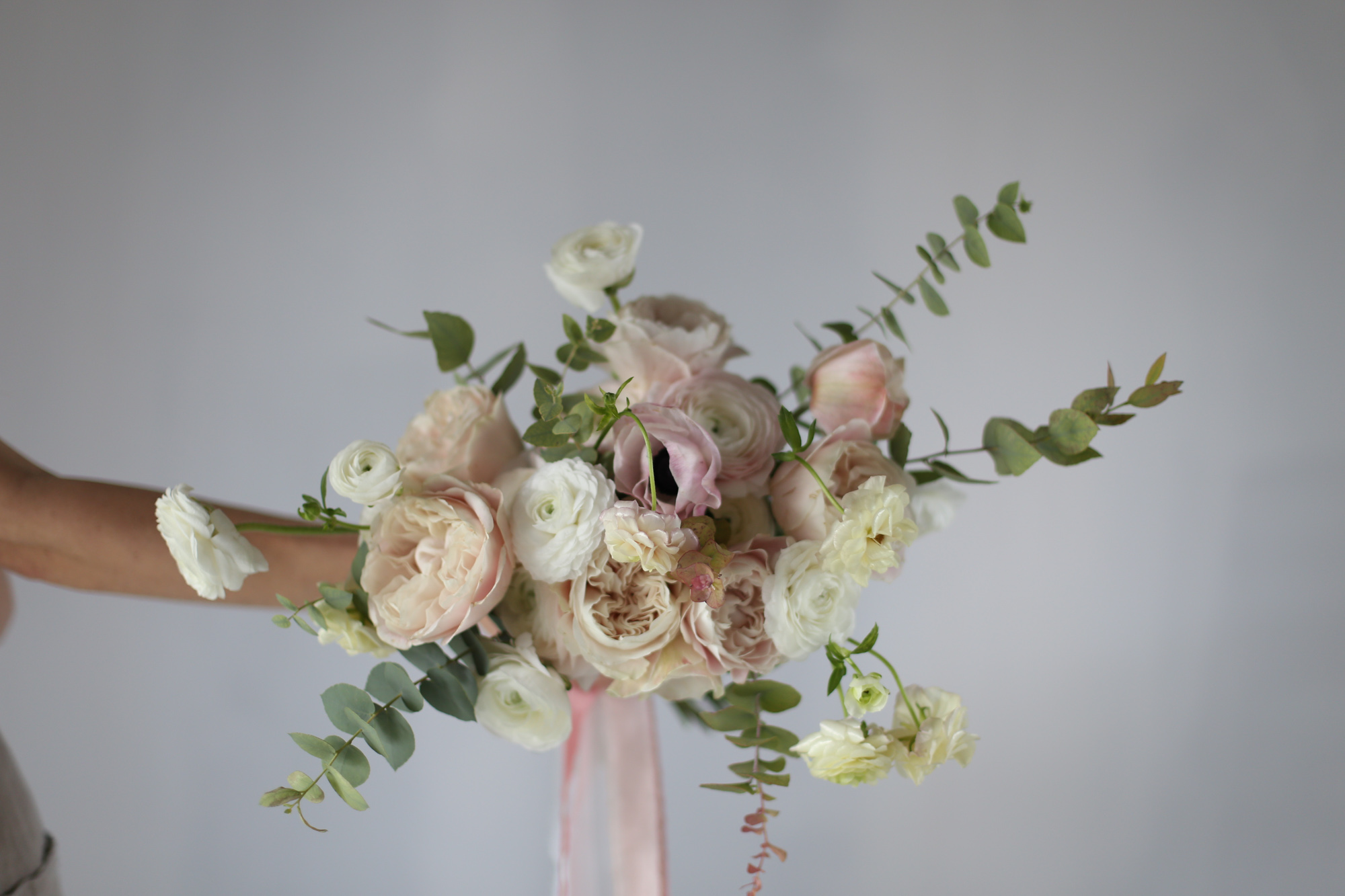 Bouquet de mariée libre et naturel - Capucine Atelier Floral