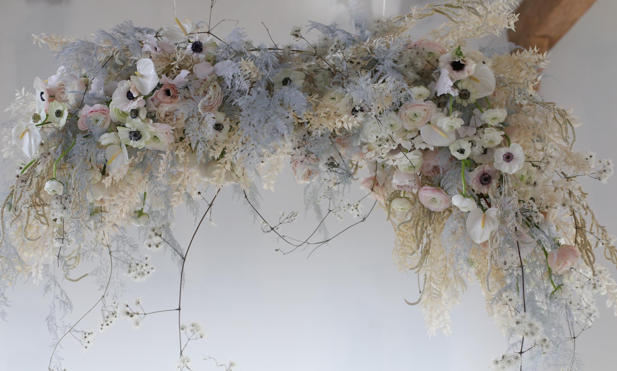 Suspension florale pour mariages - Capucine Atelier Floral