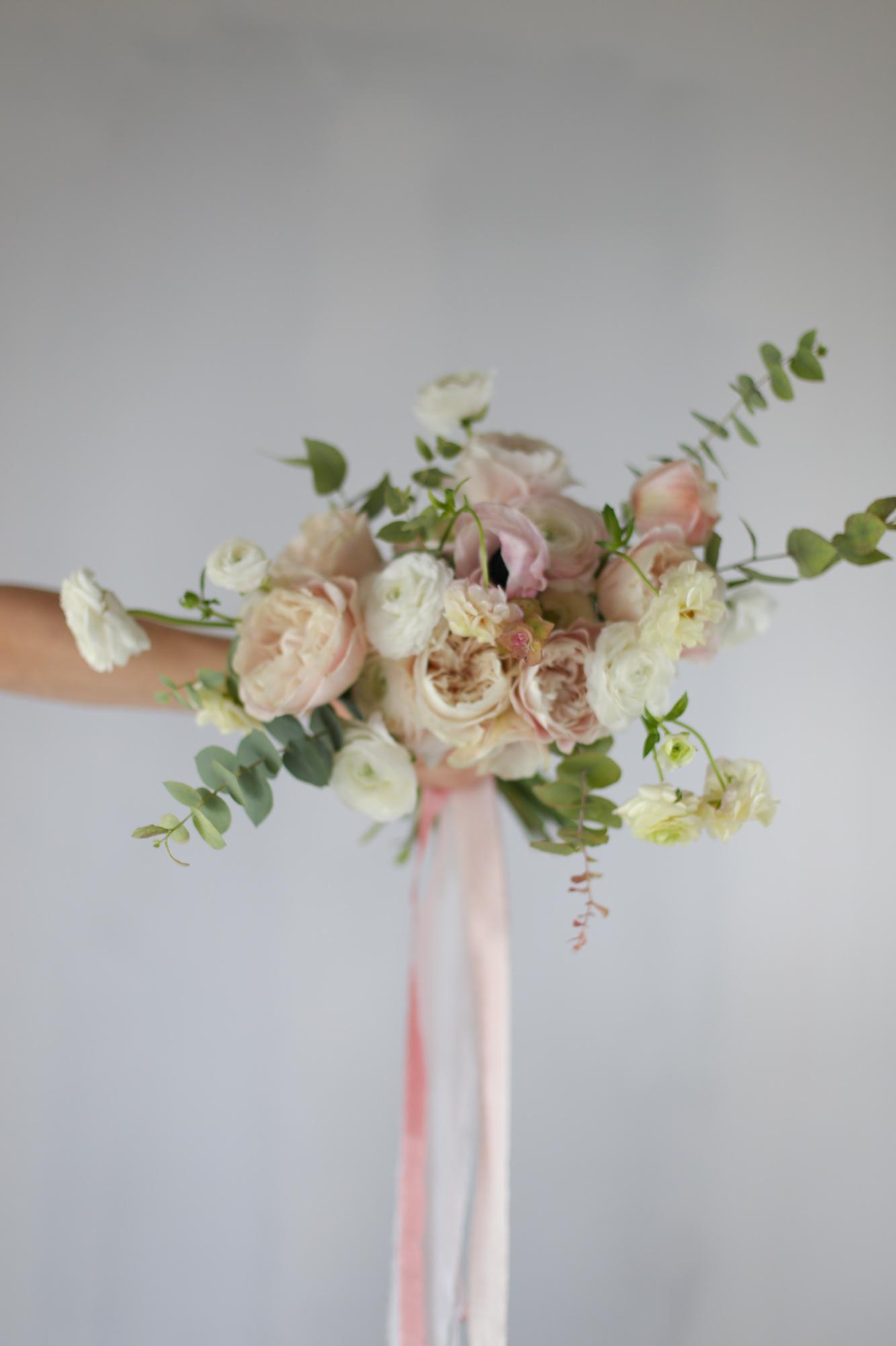 Bouquet naturel et destructuré - Capucine atelier floral