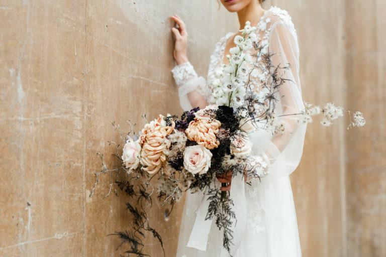 bouquet mariée capucine atelier floral mariage contemporain Provence