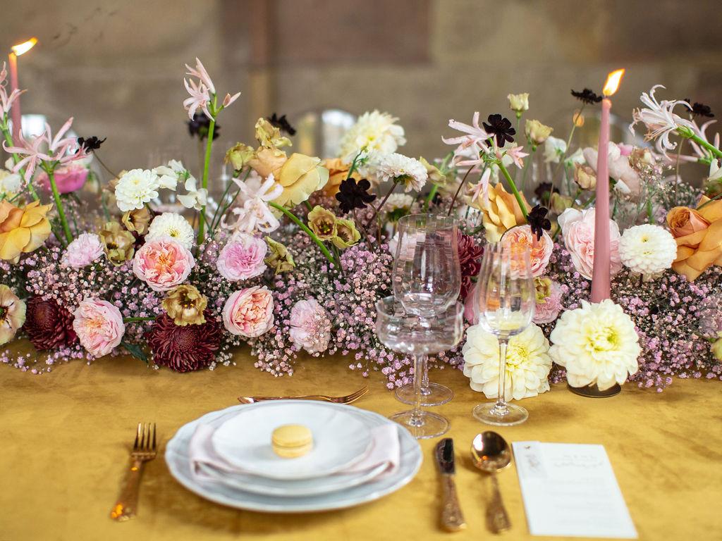 guirlande florale table d'honneur mariage capucine atelier floral Provence