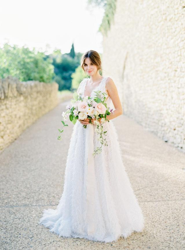 Un mariage romantique dans les champs de lavande en Provence - Capucine Atelier Floral - Fleuriste de pmariage fine art en Provence