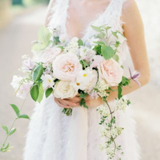 A romantic wedding in the lavender fields in Provence - Atelier Capucine - Floral designer Provence - Fine art wedding