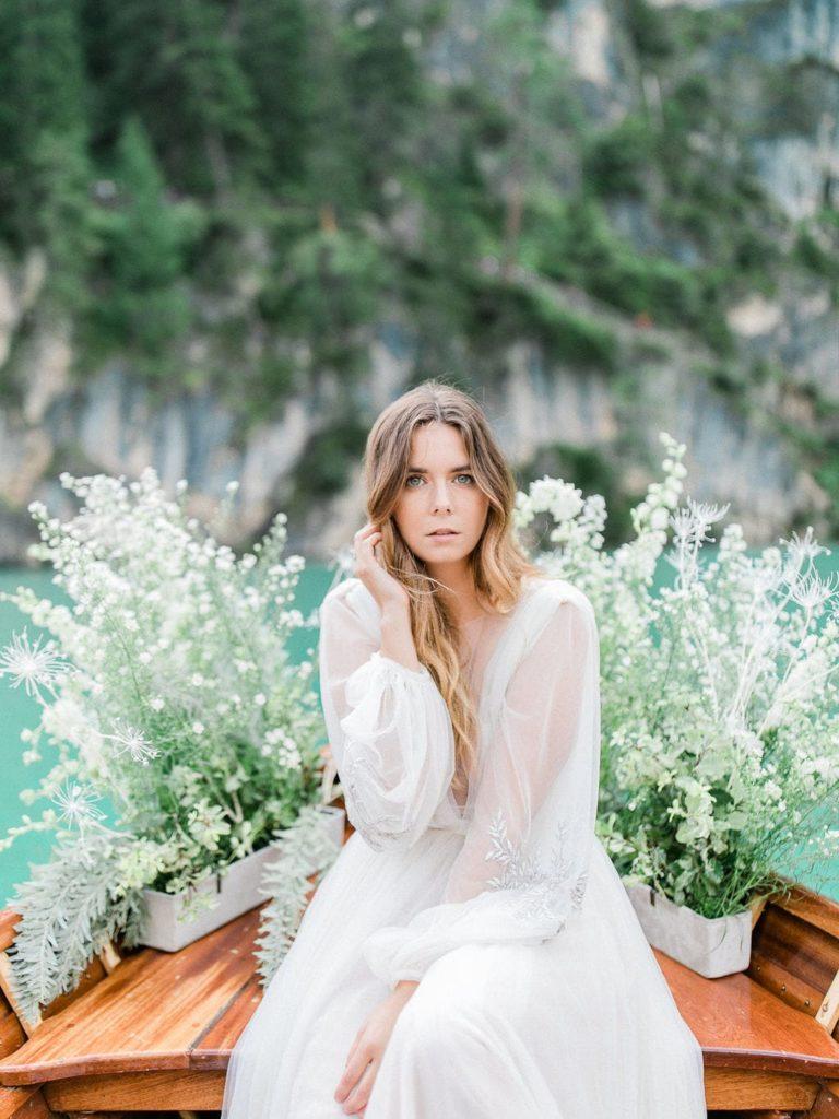 Un elopement au Lac de Braies en Italie - Capucine Atelier Floral - Fleuriste mariage Fine art